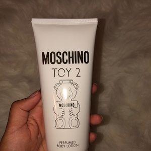 Moschino perfumed body lotion